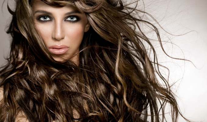 Tuti randibiztos tavaszi frizur�k - 3+1 frizura tipp l�p�sr�l l�p�sre