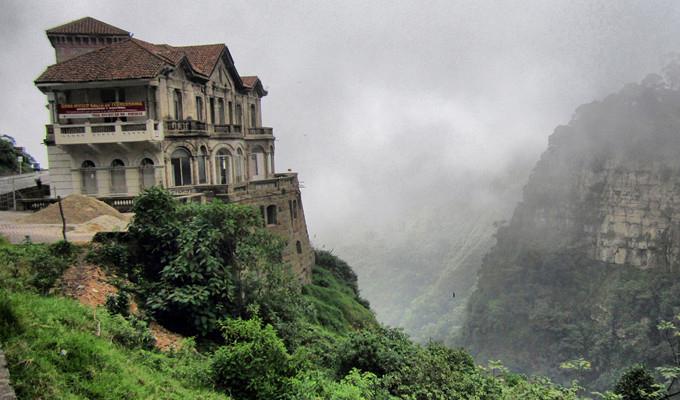 Elhagyatva Kolumbi�ban  - Az elhagyatott szellemhotel