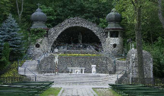 Csod�latos gy�gyul�sok - Szent helyek kis haz�nkban