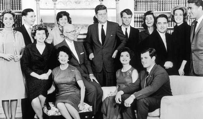 M�gis milyen �tok v�gezte ki a r�m peches Kennedy csal�dot?