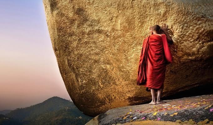 A burmai szerzetesek k�l�nleges horoszk�pja - Tudd meg, hogy v�lekedtek r�lad a burmaiak!