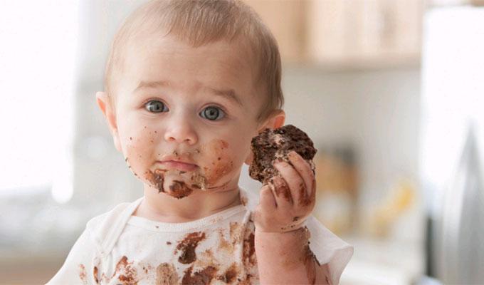 Megd�bbent�en sok baba kap 1 �ves kora el�tt cukros �dess�get