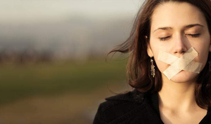 7 jel, ami arra utal, hogy elnyomod magadban az �rz�seidet