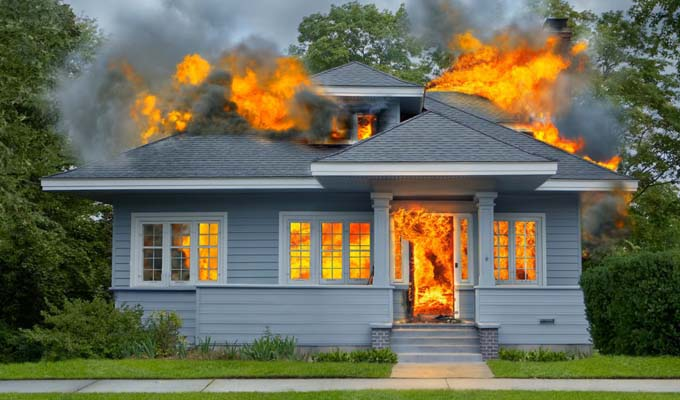Ha a házad lángra kapna, melyik tárgyat mentenéd ki először? - Árulkodik a személyiségedről