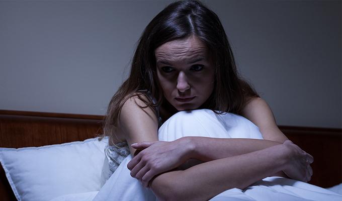 Azonos időben felébredsz minden éjjel? - Szorosan kapcsolódik egy-egy problémához!