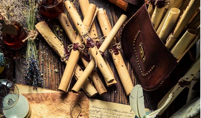 Válassz egy ősi papirusztekercset, és fedezd fel, mi vár rád a jövőben! - Őszi jóslat!