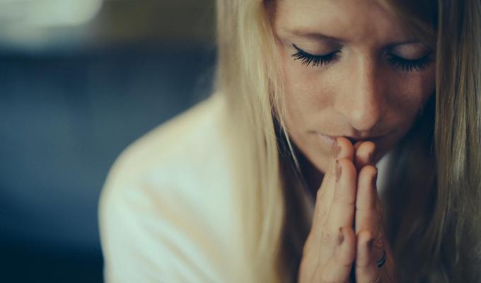 Használd az áldás erejét, 3 lépésben,  hogy meghittebb legyen  számodra is az ünnep!