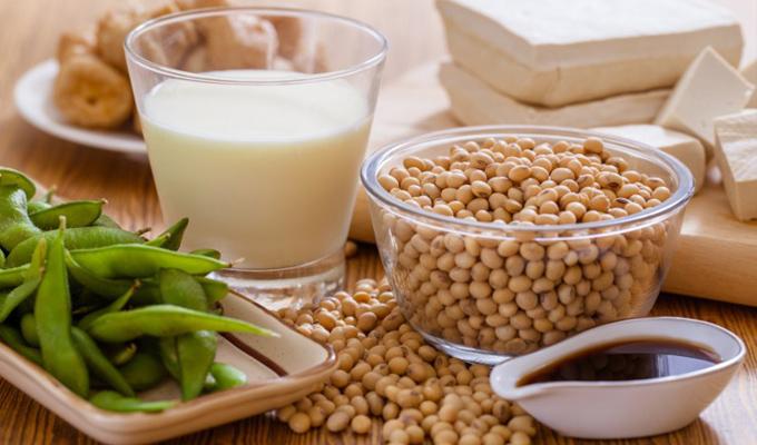 8 pajzsmirigyet befolyásoló étel - 4 jó és 4 rossz hatás