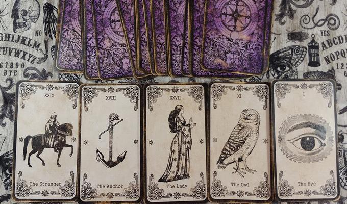 Láss bele a jövődbe az eredeti Boszorkány jóskártya segítségével! - Szerelemben és pénzügyekben